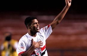 O São Paulo poderá ganhar um reforço para sua defesa