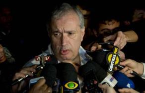 Roberto de Andrade não descarta a renovação do contrato de Mano Menezes