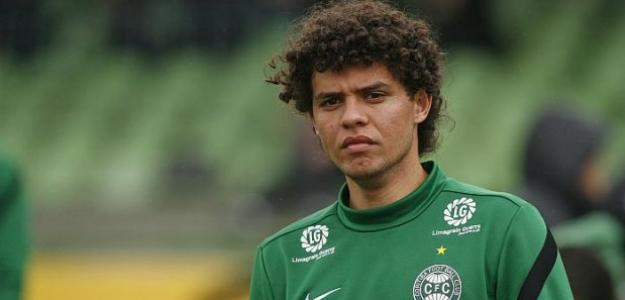 Victor Ferraz pretende permanecer no Santos