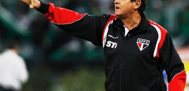 Ataíde Gil Guerreiro quer um treinador europeu para o lugar de Muricy Ramalho