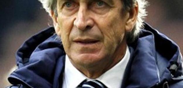 Manuel Pellegrini garantiu que permanecerá no Manchester City até junho de 2016