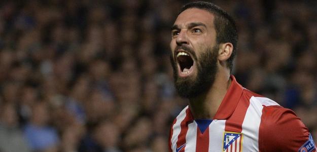 Turan em ação com a camisa do Atlético de Madrid contra o Barcelona: negociação entre as duas equipes não deve acontecer