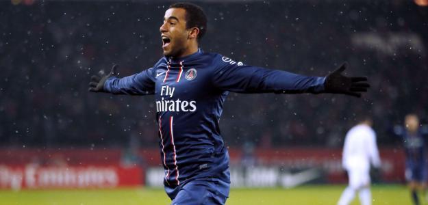 O meio-campista brasileiro Lucas Moura renovou na manhã desta quarta-feira (03 de junho) o contrato com o Paris Saint-Germain