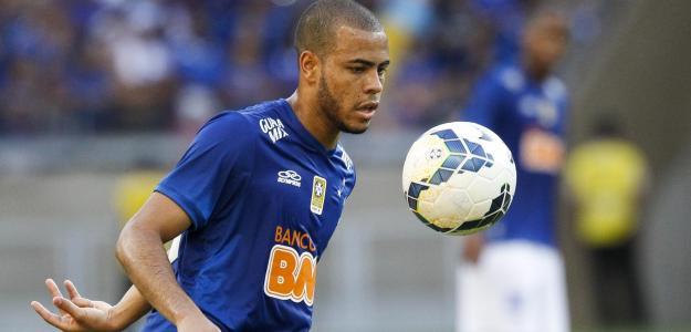 O atleta do Cruzeiro poderá estar no Campeonato Português na próxima temporada