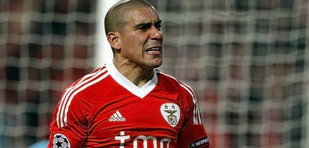 Maxi Pereira se transferiu para o Porto após atuar pelo rival por oito anos
