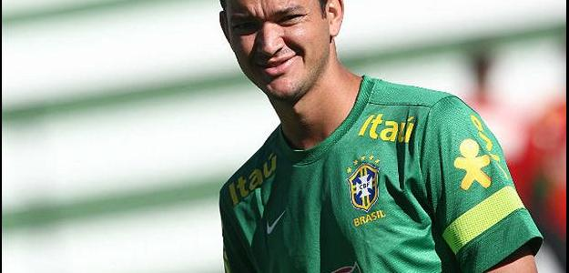 Presença constante na Seleção Brasileira, Réver pode reforçar o Internacional