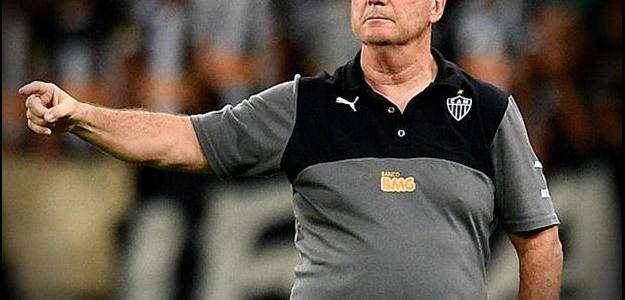 Levir Culpi renovou por mais uma temporada com o Atlético-MG