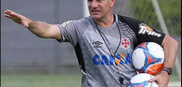 Doriva sabe que o Vasco necessita de reforços, mas clube esbarra em crise