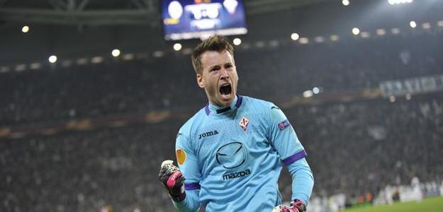 Neto vem ganhando destaque como goleiro da Fiorentina