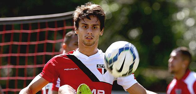 Rodrigo Caio volta a figurar entre as opções de Juan Carlos Osório