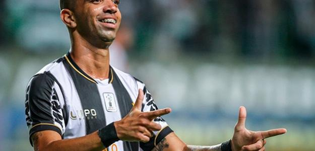 Diego Tardelli entra na mira do Corinthians