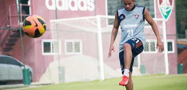 Lesão na coxa tira Marcos Júnior do duelo contra o São Paulo