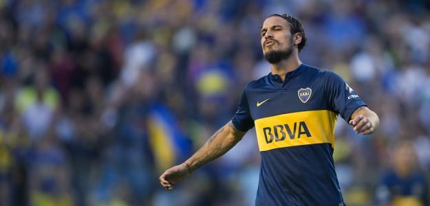 Apesar de ter rescindido com o Southampton, o jogador não acertará com o Boca Juniors