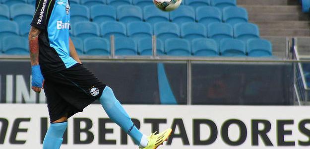 Jogador durante um treinamento do Grêmio