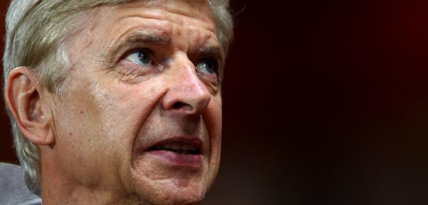 Arsène Wenger não vê carências no elenco além da zaga