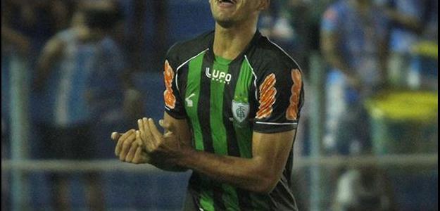 Vitor Hugo encaminha parte burocrática do contrato com o Palmeiras neste domingo