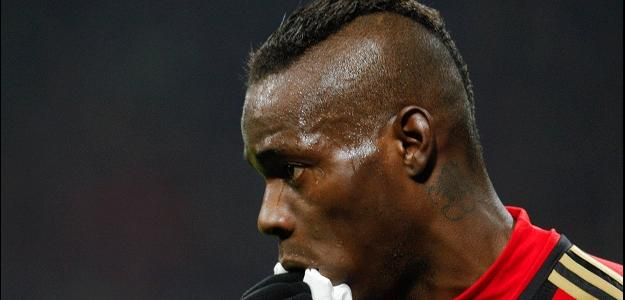 Balotelli faz exames no Liverpool
