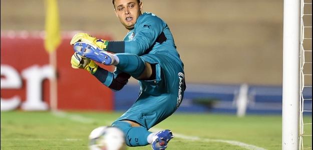 Goleiro Renan, um dos destaques da equipe do Goiás
