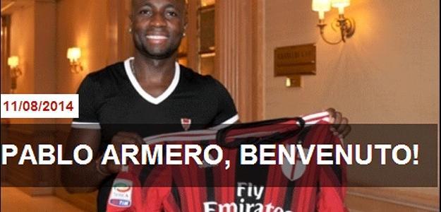 O jogador já posa com a camisa do clube rossonero