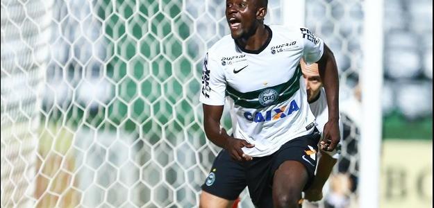 Camaronês Joel, o 'Cruel' é uma das sensações do Campeonato Brasileiro