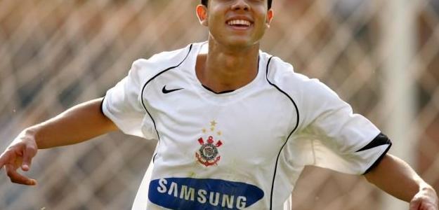 Nilmar chegou ao Corinthians em 2005 e jogou dois anos pelo Timão