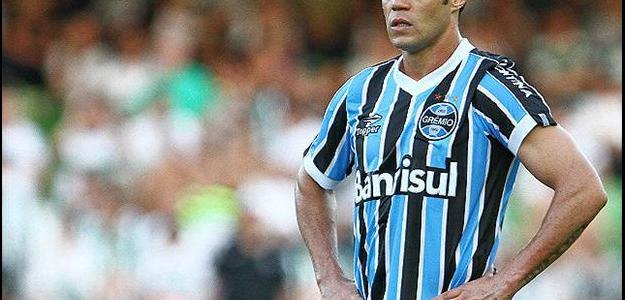 Kleber terá o contrato com o Grêmio rescindido