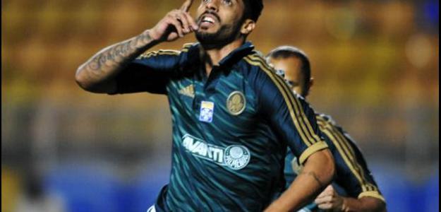 Vilson era um dos principais jogadores do Palmeiras na Série B de 2013