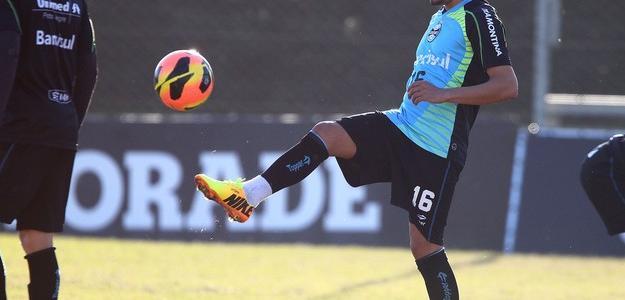 Adriano, pode estar de saída do Grêmio