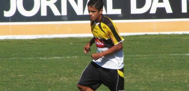 Alexandre em campo pelo Criciúma