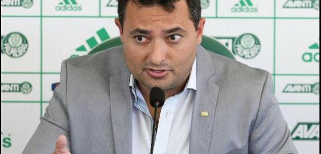 Mattos quer que Valdivia fique Palmeiras, mas prevê represálias