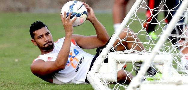 André Santos teve contrato rescindido com o Flamengo no começo do mês