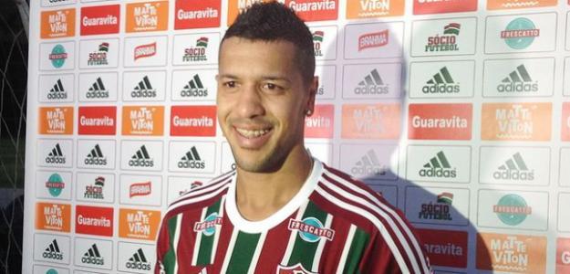 Antônio Carlos foi oficializado como jogador do Fluminense