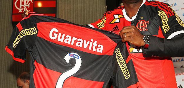 Armero chega para ser o novo lateral-esquerdo do Flamengo