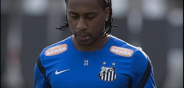 Arouca está há cinco temporadas no Santos e pretende ficar na equipe