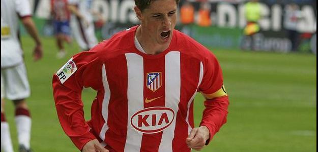 Segundo jornal espanhol, Torres fica por empréstimo no Atlético até 2016