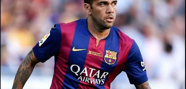 Prestes a encerrar seu contrato com o Barcelona, Daniel Alves ouve propostas