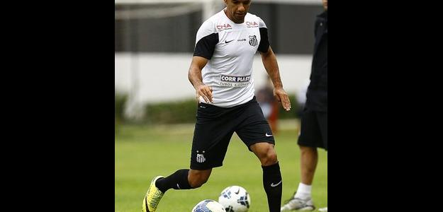 Bruno Peres está de saída do Santos e vai para o Torino
