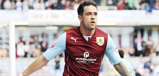 Ings comemora com os companheiros o gol da vitória sobre o Hull City: resultado não foi suficiente para o Burnley, que acabou rebaixado