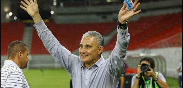 O treinador fechou bônus por possíveis títulos conquistados