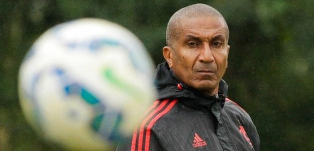 Treinador havia ganhado folego após vencer o Internacional, mas derrota para Corinthians o colocou em xeque