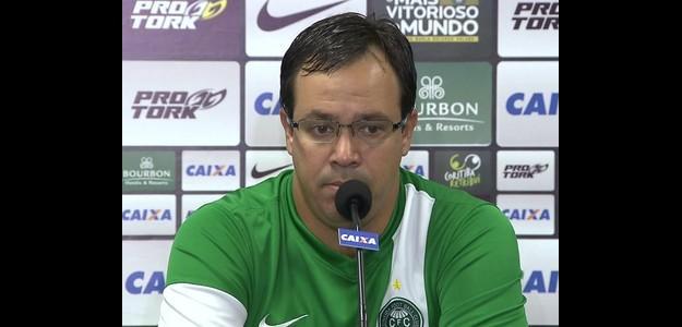 O técnico ficou apenas três meses no clube
