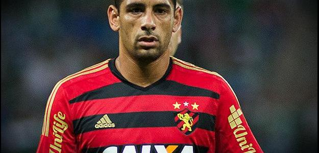 Diego Souza teve boa atuação contra o Palmeiras defendendo o Sport