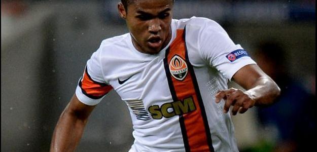 Caso o negócio se confirme, Douglas Costa será o quinto integrante brasileiro