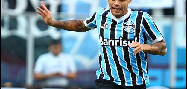 Sem espaço com Felipão, Edinho não deverá mais fazer parte do elenco do Grêmio