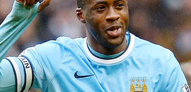 Yaya Touré durante uma partida do Campeonato Inglês