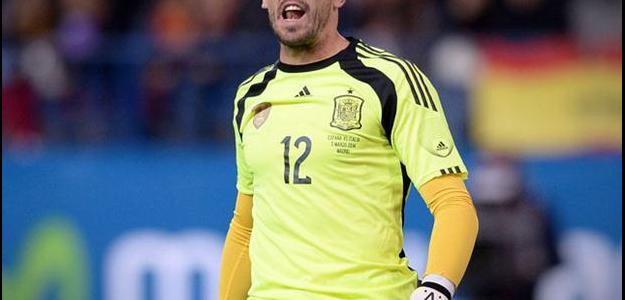 Valdés tenta se recuperar para poder voltar a jogar por um grande clube europeu