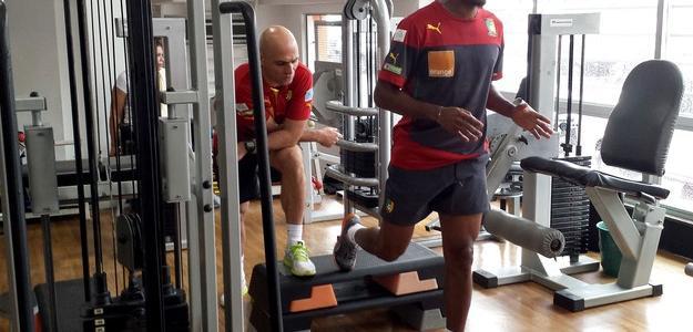 Lesão no joelho direito tirou Eto'o de dois dos três jogos de Camarões na Copa
