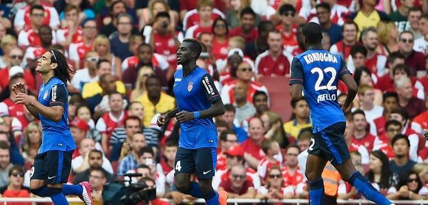 Falcao comemora gol marcado contra o Arsenal
