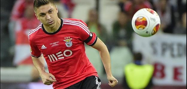 O brasileiro, e possível substituto de Filipe Luís, acertou com o time espanhol
