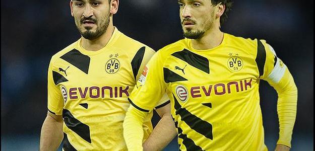 Defensores Ilkay Gundogan e Mats Hummels estão na lista de reforços do Arsenal